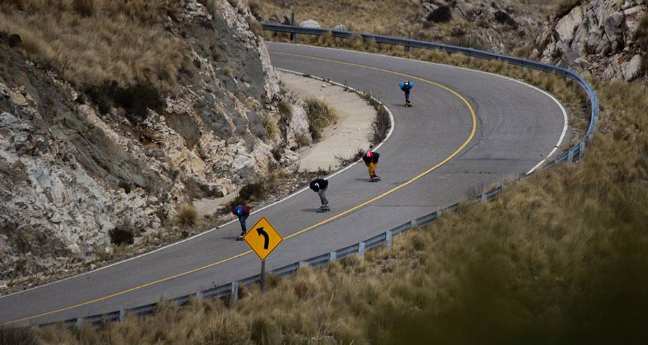 Bajadas con amigos en alguna ruta argentina.